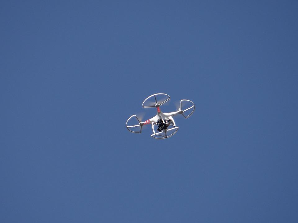 Firma wynajmująca drony do filmowania
