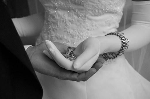 Uczyń wesele atrakcyjniejszym dzięki fotobudce
