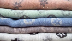 Trwałe i komfortowe tkaniny pokryte polichlorkiem winylu