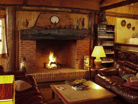 Ogrzewanie kilku pomieszczeń za pomocą kominka z płaszczem