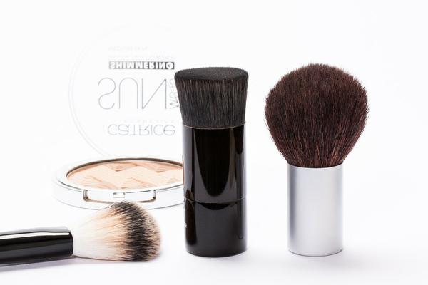 Zalety zakupów kosmetyków w sklepach online