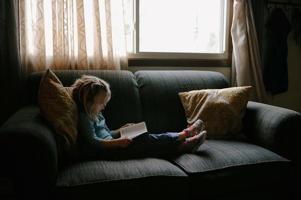 Mały narożnik do pokoju dziecięcego