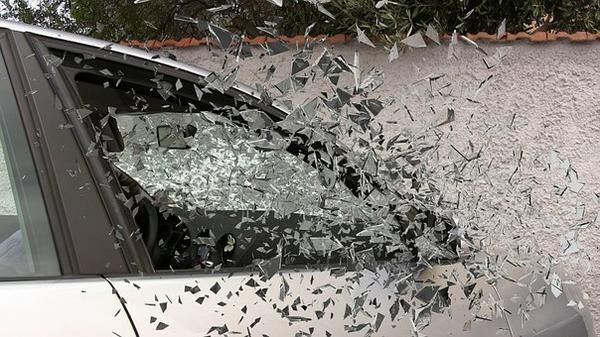 Jak poradzić sobie z wypadkiem samochodowym?