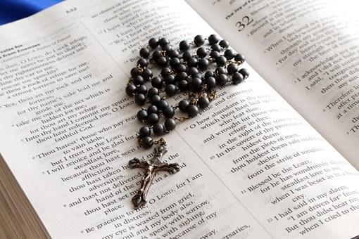 Różaniec można podarować dziecku z okazji chrztu