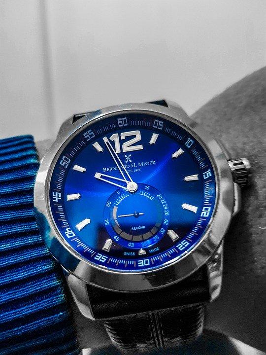 Stylowe zegarki o różnorakich stylach