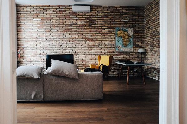 Zalety ścian z cegły